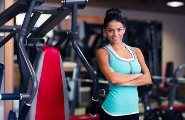 Siłownia dla początkujących – plan ćwiczeń na rzeźbę