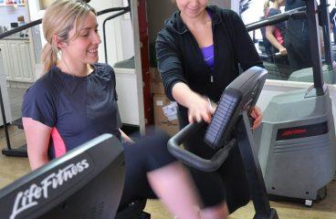 Jak wyglądają początki ćwiczeń na siłowni
