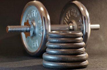 Rzeźbij mięśnie bez wychodzenia z mieszkania